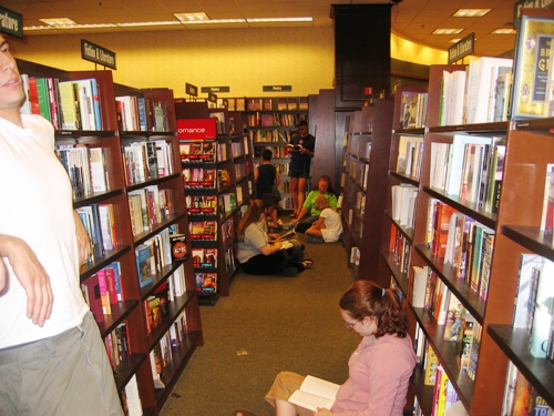 Reading is alive and well, I'm happy to say.  What else are you going to do inB&N for two hours?
