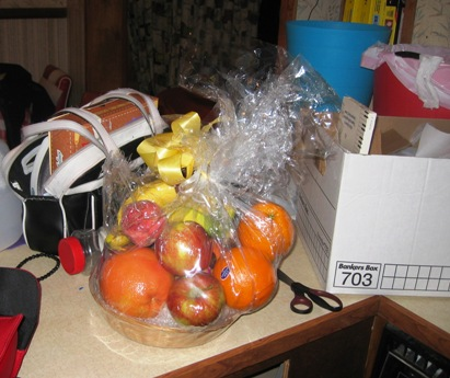 the fruit basket at home
